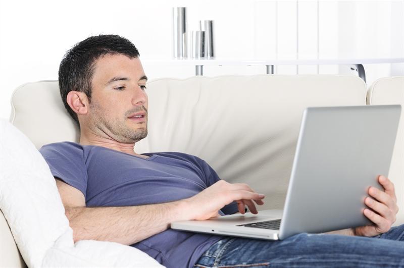 Как познакомиться с девушкой по интернету